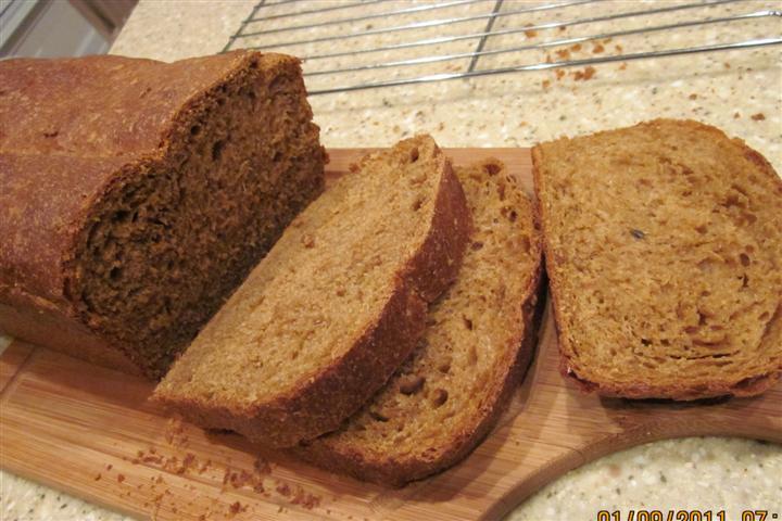 Mol Wheat Sandwich Bread With Rye Flakes
